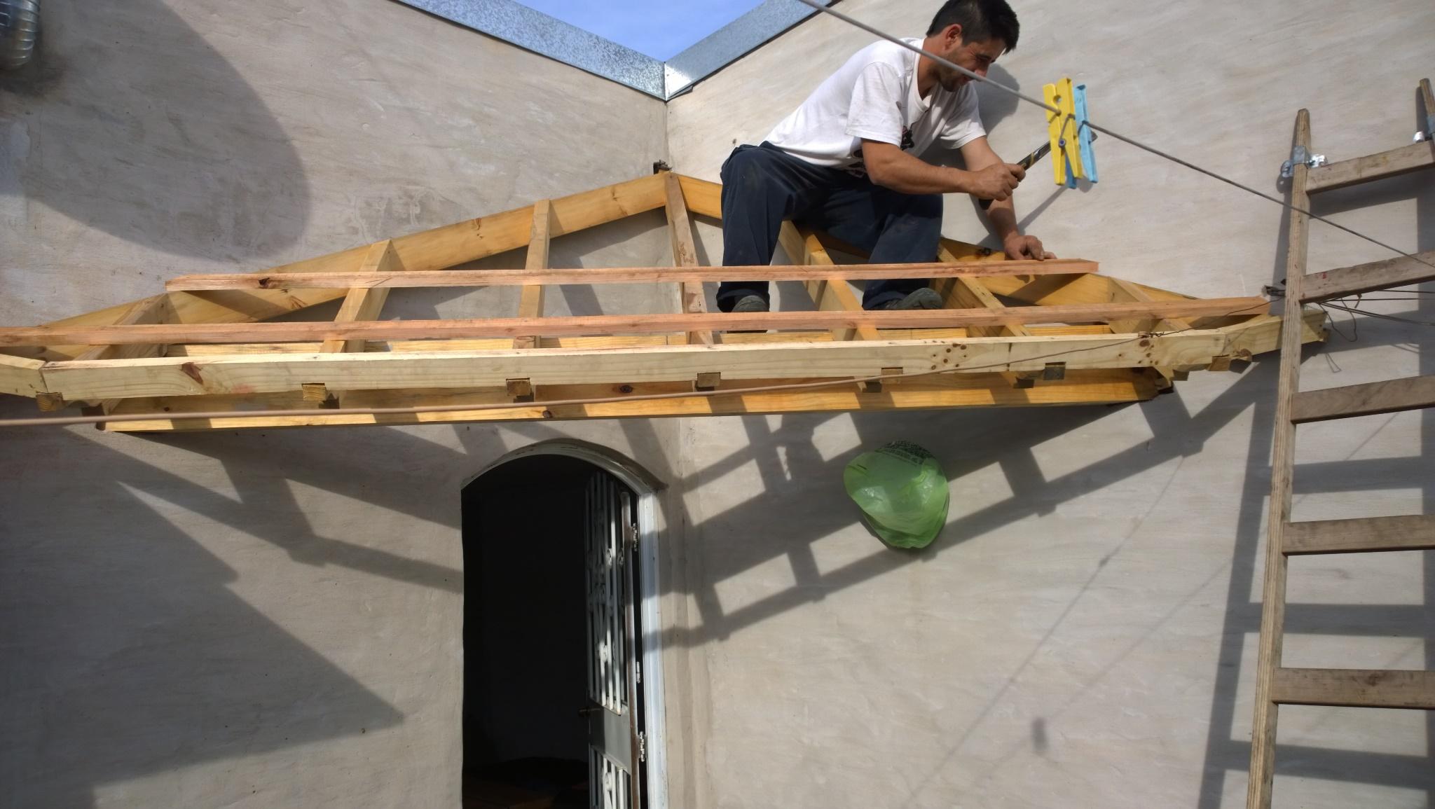 Techos marcelo una buena casa necesita un buen techo for La casa tiene un techo
